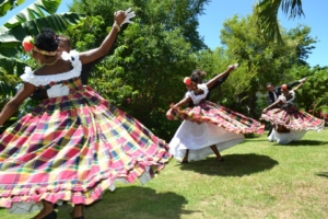 Les danses traditionnelles de l'île aux fleurs